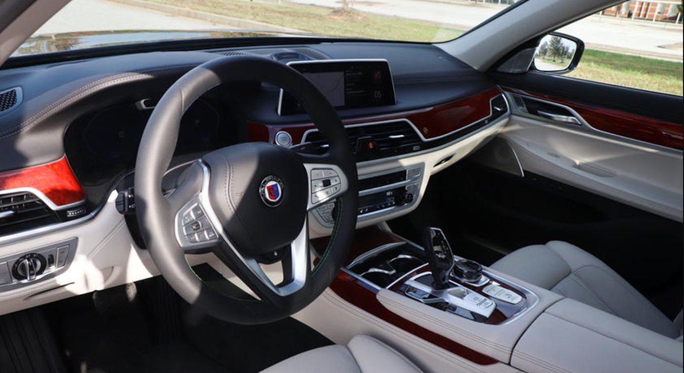 2022 BMW Alpina B7 Interior