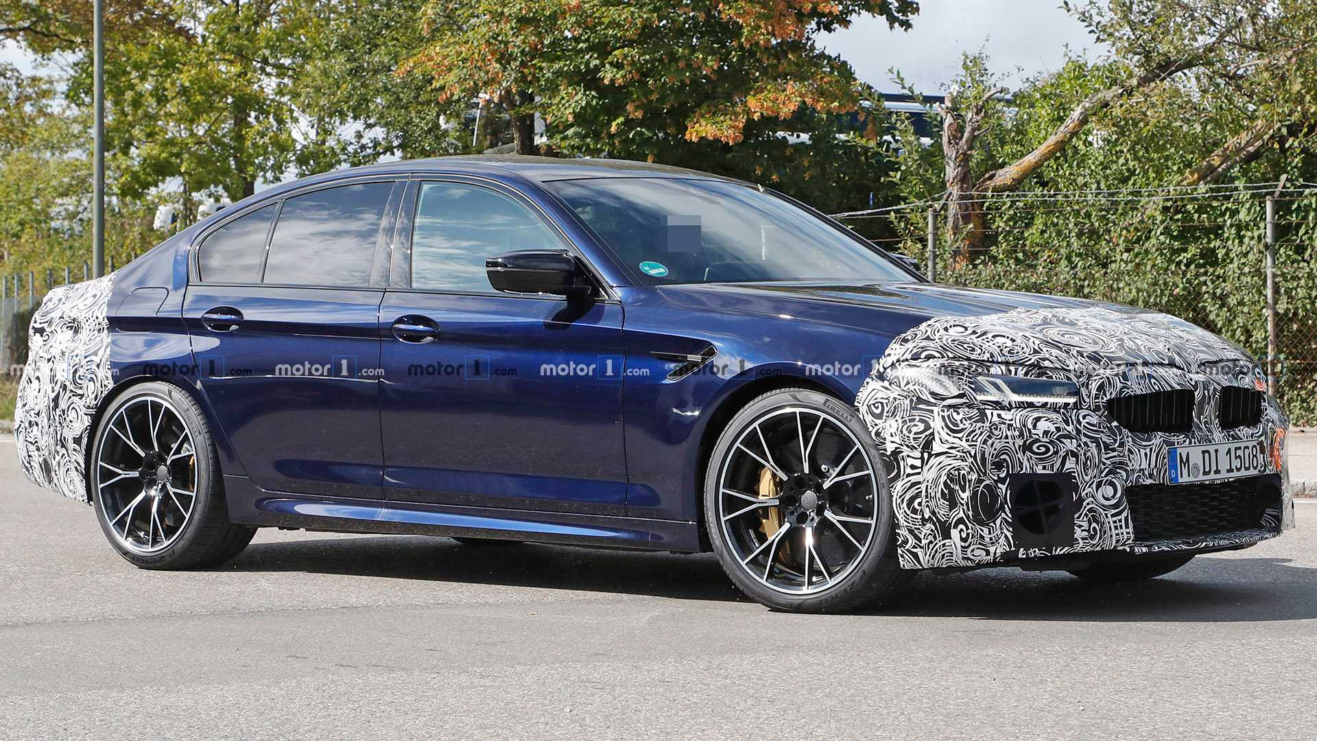Refreshed BMW M5 Spied Looking Cool In Blue