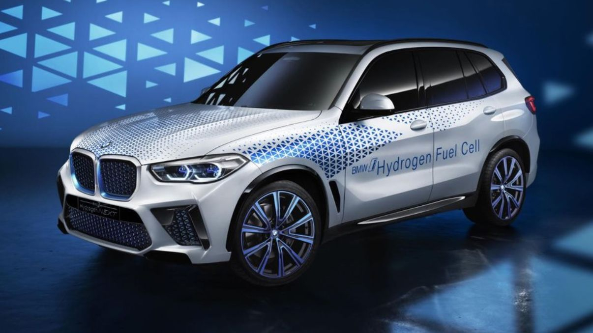 BMW Will Offer Hydrogen Fuel-Cell X5 SUV in 2022
