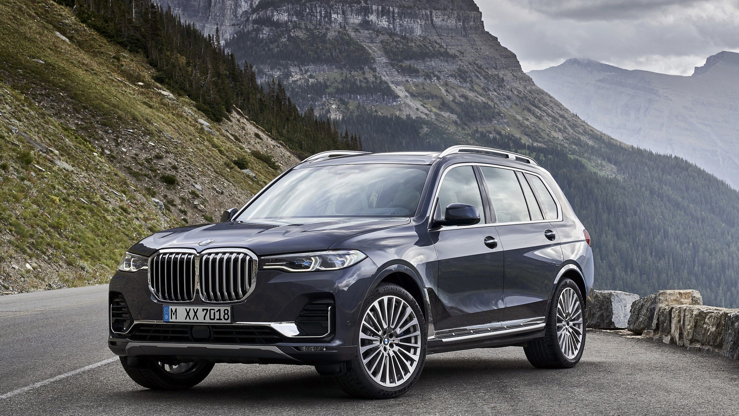 2021 BMW X7 Review - Prices, Trims, Performance, MPG and ...