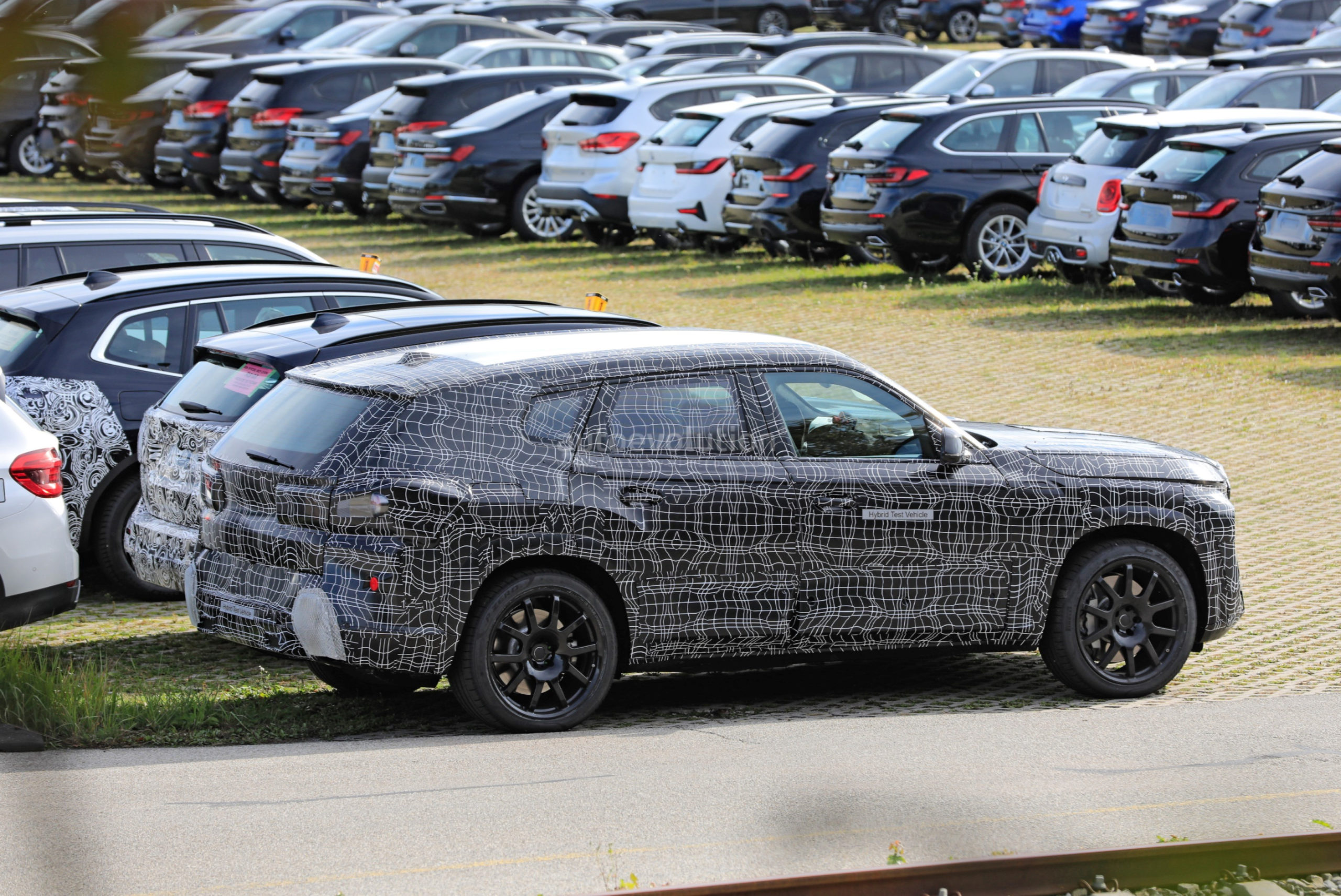"""2022 BMW X8 """"Hybrid Test Vehicle"""" Looks Like the Sexier ..."""